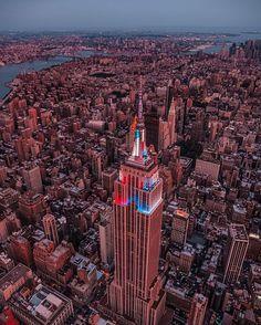 Empire State Building by @johnnymeant @nyonair @flynyon #newyorkcityfeelings #nyc #newyork