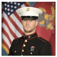 •Chris Hemsworth as a Marine in 'Red Dawn'• #chrishemsworth #hemsworth #thor #reddawn 3•2•15