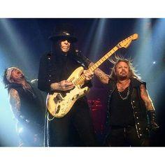 MÖTLEY CRÜE - Staples Center - Los Angeles, CA on 12/28/2015