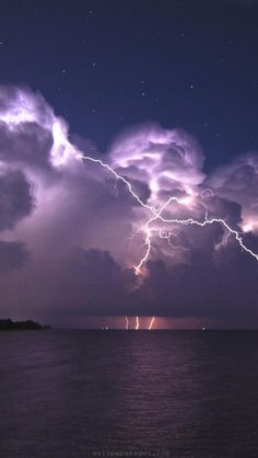 lightning-storms-night-coast-natura