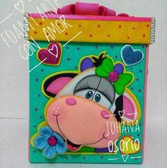 La carita de vaca Foam Crafts, Diy And Crafts, Paper Crafts, Cardboard Play, Quiet Book Templates, Kindergarten Crafts, Boyfriend Anniversary Gifts, Kids Cards, Paper Piecing
