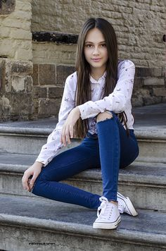 White Converse, Converse Girls, Converse Style, Denim Jeans, Skinny Jeans, Summer Trends, Jean Outfits, Sweet Girls, Amazing Women