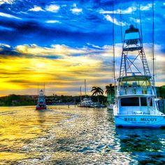Heading offshore #reellife #gearthatfitsyourlifestyle www.reellifegear.com