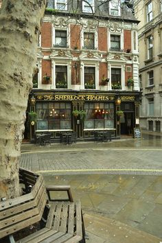 The Sherlock Holmes Pub/Restaurant - London, England