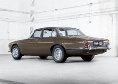 1968 Jaguar XJ6-- The contemporary Jags are SO DAMN BORING. You can't even tell they're a Jag except for the hood ornament.....pllth.