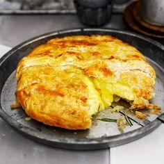Briejuusto lehtitaikinakuoressa | | Soppa365 Finnish Recipes, Brie, Lasagna, Sandwiches, Turkey, Yummy Food, Cheese, Baking, Ethnic Recipes