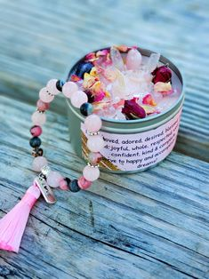 Diy Aromatherapy Candles, Beeswax Candles, Diy Candles, Essential Oil Candles, Rose Candle, White Candles, Handmade Candles, Burning Candle, Candle Making