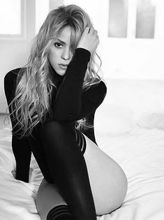 Shakira is one of the sexiest and smartest singers out there photos) - Sharenator White Bandeau Bikini Top, Gentlemen Prefer Blondes, Thing 1, Hollywood Celebrities, Home Living, Bikini Photos, Celebrity Photos, Bikini Girls, Celebs