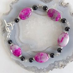 Claudine création bijoux fantaisie - Un grand marché Pandora Charms, Creations, Charmed, Bracelets, Boutique, Jewelry, Roses, Make Earrings, Fantasy