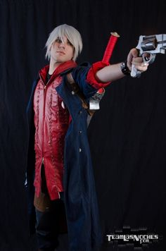 Nero - Devil May Cry 4 https://www.facebook.com/pages/Alexander-Phoenix-Cosplay/501721419882970?ref=ts&fref=ts