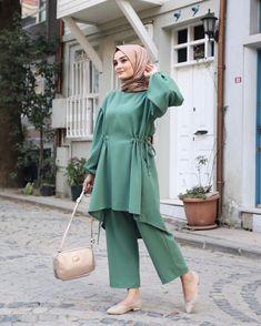 Stylish Hijab, Modest Fashion Hijab, Modern Hijab Fashion, Casual Hijab Outfit, Islamic Fashion, Hijab Dress, Abaya Fashion, Muslim Fashion, Fashion Dresses