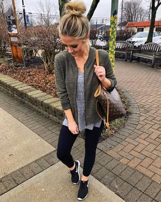 This is a perfect comfy look! I like the flowy top with a fitted jacket and fitted black pants that look good with athletic shoes