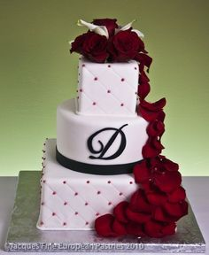 i like this idea for my base/wedding cake.and my colors and chocolate strawberries down the side!oh ya. Wedding Cake Red, Beautiful Wedding Cakes, Wedding Cake Designs, Beautiful Cakes, Dream Wedding, Wedding Ideas, Wedding Images, Amazing Cakes, Wedding Stuff