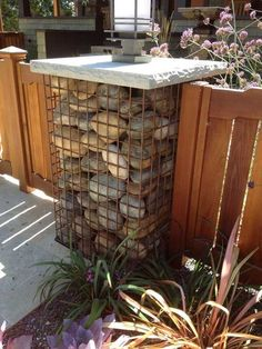 75 Fabulous Gabion Ideas for Your Garden & Outdoor Area - HomeSpecially Gabion Wall, Gabion Fence, Driveway Entrance, Outdoor Landscaping, Outdoor Privacy, Garden Structures, Outdoor Areas, Outdoor Projects, Diy Projects