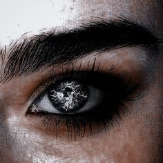 Aesthetic Eyes, Aesthetic Photo, Aesthetic Pictures, Story Inspiration, Writing Inspiration, Character Inspiration, Sarah J Maas, Memes Arte, Character Aesthetic