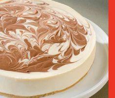 Pastel de queso con remolino de chocolate