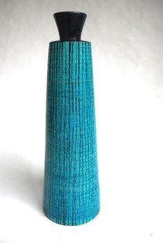 Fantastic Bitossi modernist mid century vase, Aldo Londi, Raymor, Italy