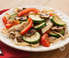 Mama Mia Chicken & Vegetables Recipe │ Healthy, easy and tasty - the perfect combination! Meals Everyone Loves, Tastefully Simple Recipes, Healthy Vegetable Recipes, Pasta Shapes, Chicken And Vegetables, Veggies, How To Cook Pasta, Healthy Eating, Healthy Meals