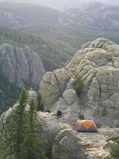 Camping on Harney Peak in the Black Hills,South Dakota. Pets allowed on trail and off site camping allowed Oh The Places You'll Go, Places To Travel, Places To Visit, Go Camping, Outdoor Camping, Camping In The Fall, Camping Store, Camping Hacks, To Infinity And Beyond