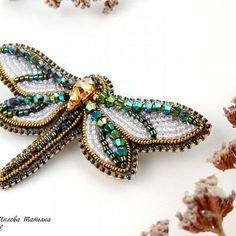Я вас наверное замучила своими стрекозками всё понимаю, но ничего поделать не могу ведь они такие... Необыкновенные... И некоторые еще ждут своих любящих хозяек. Цена - 2300 руб. #tatius_shil_вналичии #handmade_ru_jewellery #handmadewithlove #dragonfly #dragonflys #jewelry #style #moda #stylejewelry #withlove #beadjewelry #biser #swarovskicrystals #beadswork #мода #стильно #сделанослюбовью #стильноеукрашение #стрекозаукрашение #стрекозаброшь #стрекоза #ук.