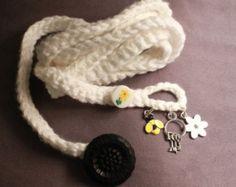 Crochet envoltura pulsera o collar en Marina de por CoffyCrochet