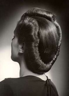 Todays1940s hair inspiration.