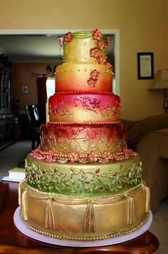 Indian Design Wedding Cake I take a picture of the Indian bridal dress design and design the cake with fondant an gum paste details. Round Wedding Cakes, Indian Wedding Cakes, Unique Wedding Cakes, Beautiful Wedding Cakes, Wedding Cake Designs, Beautiful Cakes, Amazing Cakes, Indian Weddings, Indian Bridal