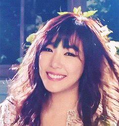 Tiffany Hwang SNSD Girls' Sweet Beauty CeCi GIF