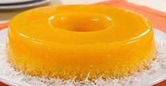 Brazilian Desserts: Easy Recipe for Quindim (Coconut Flan) Köstliche Desserts, Delicious Desserts, Yummy Food, Portuguese Desserts, Portuguese Recipes, Portuguese Food, Sweet Recipes, Cake Recipes, Dessert Recipes