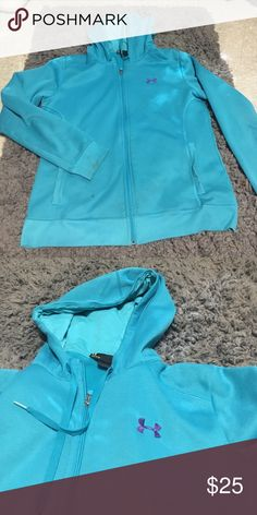 Too big for me and only earn a few times Nice semi-fitted women's under armor zipper hoodie. Too big for me and I don't ware it often enough to keep it. Make an offer! Willing to go lower Under Armour Tops Sweatshirts & Hoodies