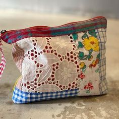 Diy And Crafts Sewing, Sewing Art, Easy Sewing Projects, Sewing Projects For Beginners, Fabric Bags, Fabric Scraps, Diy Bags Easy, Sewing To Sell, Diy Bags Purses