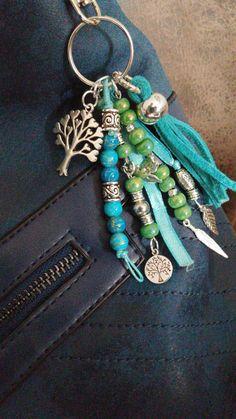 Fun Art, Cool Art, Crochet Keychain, Camping Crafts, Key Chains, Dyi, Diy Jewelry, Tassels, Art Projects