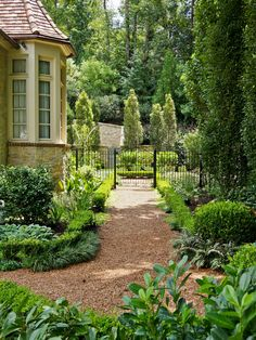 Traditional Landscape Paths Design, Pictures, Remodel, Decor and Ideas - page 4