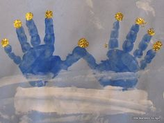 Hanukkah: handprint menorah - such a cute rendition of a menorah
