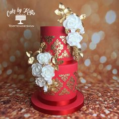 Red Passion by Katja Khan - http://cakesdecor.com/cakes/268597-red-passion