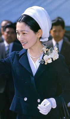 crown princess Michiko Family World, The Empress, Kaiser, Japanese Beauty, Royal Fashion, Vintage Japanese, Types Of Fashion Styles, Royalty, Beautiful Women