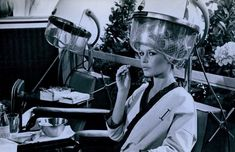 Brigitte Bardot under the hardryer Still from The Bear and the Doll 1969 Brigitte Bardot, Sleep In Hair Rollers, Photos Originales, Roller Set, World Photo, Curlers, Beauty Shop, Vintage Hairstyles, Vintage Beauty