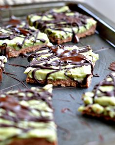 Sugar-free & Gluten-Free Raw avocado cookie bars. Made with avocado, coconut butter, almond butter and bananas. Naturally Vegan and paleo friendly. #paleo #sugarfree #raw #clean #cookies #glutenfree by www.sweetashoney.co.nz