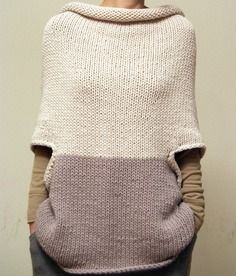 Elementum poncho-y sweater. Knitting Patterns, Crochet Patterns, Wool Cape, How To Purl Knit, Pulls, Knitting Projects, Hand Knitting, Knitting Machine, Knitwear