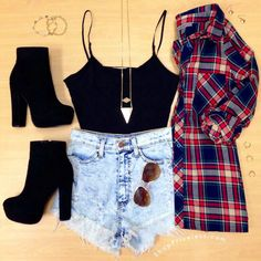 25 Best ideas for glasses outfit hipster crop tops Teenager Outfits, Teenager Mode, Hipster Crop Tops, Girls Crop Tops, Teen Fashion Outfits, Outfits For Teens, Trendy Outfits, Fashion Clothes, Neue Outfits