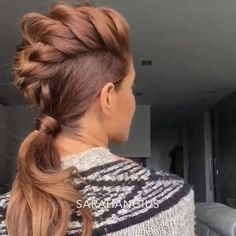 Simple braided mohawk for females with long hair. Links to instagram video tutorial.
