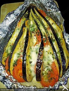 Gebackene Auberginen Baked aubergines – also delicious with zucchini instead eggplant :] Low Carb Recipes, Soup Recipes, Vegetarian Recipes, Cooking Recipes, Healthy Recipes, Grilling Recipes, Baked Eggplant, Eggplant Zucchini, Eggplant Parmesan