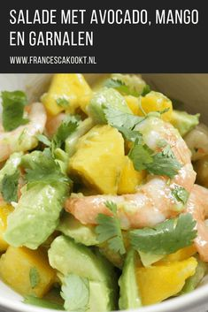 Salad with avocado, mango and shrimps - Francesca Cooks Suriname Food, Mango, Friend Recipe, Avocado Salat, Salad Wraps, Easy Eat, Good Healthy Recipes, Salad Recipes, Food And Drink
