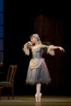 """Tamara Rojo in """"Cinderella"""" (Royal Ballet). Photo by Bill Cooper"""
