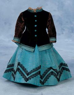 View Catalog Item - Theriault's Antique Doll Auctions. Dress set for a Huret or other fashion doll