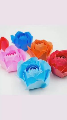 Paper Crafts Origami, Easy Paper Crafts, Diy Crafts For Gifts, Origami Art, Crafts For Kids, Paper Flowers Craft, Paper Roses, Rose Crafts, Flower Crafts