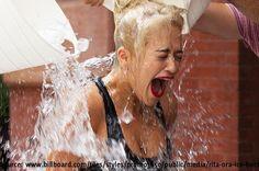 Diese Ice Bucket Challenge Video Fails Compilation zeigt dir, was alles daneben gegangen ist (Lustiges Video) - BuzzerStar  Interessante Neuigkeiten aus der Welt auf BuzzerStar.com : BuzzerStar News - http://www.buzzerstar.com/diese-ice-bucket-challenge-video-fails-compilation-zeigt-dir-was-alles-daneben-gegangen-ist-lustiges-video-946f4b44b.html