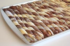 When I first saw this interesting roll up bread at Dari Dapur MadihaA's blog I was intrigued by it. Since this month Aspiring Baker's challe...
