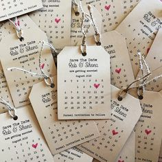 Magnetic Tags Save the date Calendar with twine Magnetische Tags zu sp. Magnetic Tags Save the date Calendar with twine Magnetische Tags zu speichern das Datum Kalender mit Schnu Fun Wedding Invitations, Wedding Cards, Wedding Favors, Wedding Gifts, Wedding Decorations, Wedding Lanterns, Wedding Ideias, Dream Wedding, Wedding Day
