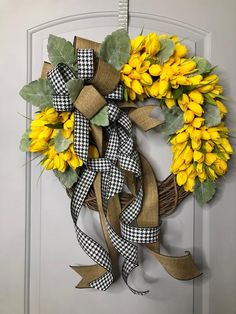 Most up-to-date Photographs Wreath for Front Door cotton Popular Your home wreath brings the polishing off hits to your property, giving it a warm delightful really Burlap Flower Wreaths, Cotton Wreath, Deco Mesh Wreaths, Door Wreaths, Tulip Wreath, Diy Spring Wreath, Diy Wreath, Flower Wall Decor, Frame Wreath